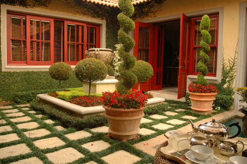 Outdoor living patios show off your outdoor patio life for Garden designs in south africa
